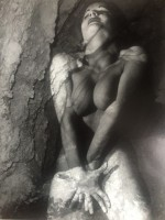 Andre DE DIENES | Nu au rocher | Photograph available for sale on www.kunzt.gallery