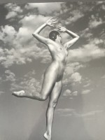 Andre DE DIENES | Nu aux nuages | Photograph available for sale on www.kunzt.gallery