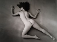 Andre DE DIENES | Nu au sol | Photograph available for sale on www.kunzt.gallery