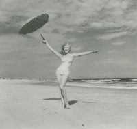 Andre DE DIENES | Marilyn Monroe | Photograph available for sale on www.kunzt.gallery
