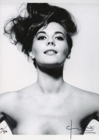 Bert STERN | Natalie Wood | Photograph available for sale on www.kunzt.gallery