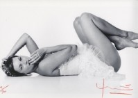 Bert STERN | Kate Moss. Laying down | Photograph available for sale on www.kunzt.gallery
