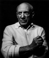 Lucien CLERGUE | Picasso con un cigarro | Photograph available for sale on www.kunzt.gallery